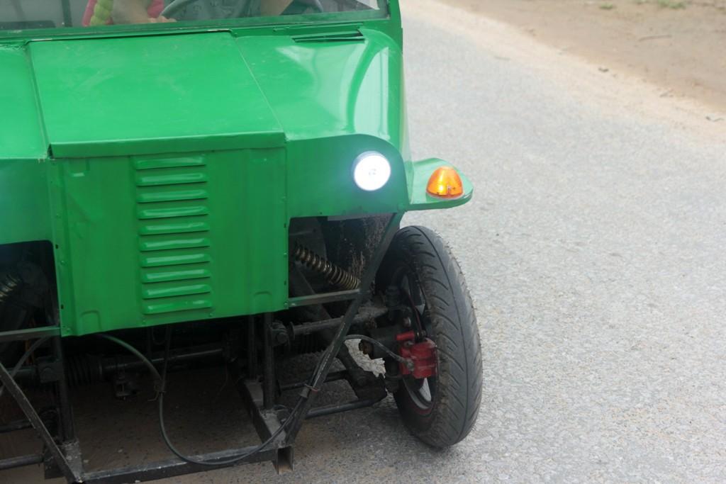 Nghệ An: Người đàn ông tự chế xe ô tô điện giá 15 triệu đồng để chở con gái đi học mỗi ngày - Ảnh 6.