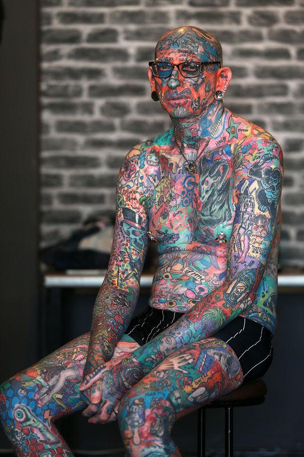 Người đàn ông chi gần 450 triệu để xăm 810 hình xăm lên cơ thể mình - Ảnh 6.