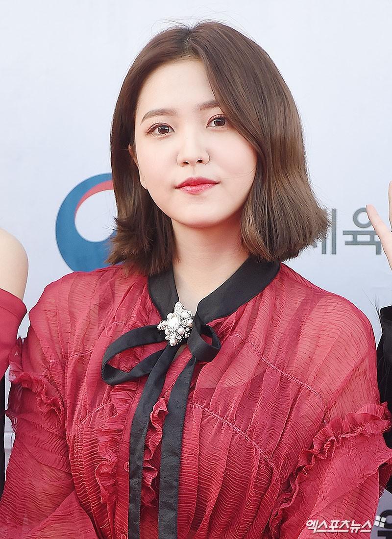 Thảm đỏ Dream Concert: Nữ diễn viên vô danh vượt mặt loạt nữ thần vì quá đẹp, dàn trai xinh gái đẹp Kpop đổ bộ - Ảnh 16.