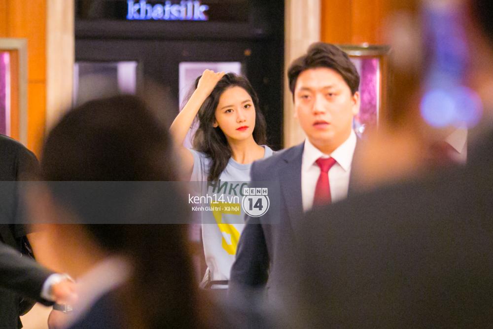 Sau 1 ngày hoạt động liên tục, Yoona vẫn vui vẻ vẫy tay chào tạm biệt fan Việt trước khi trở về Hàn - Ảnh 5.