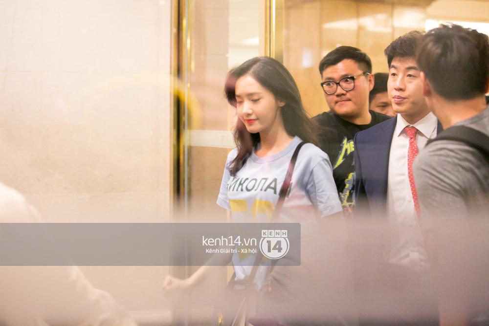 Sau 1 ngày hoạt động liên tục, Yoona vẫn vui vẻ vẫy tay chào tạm biệt fan Việt trước khi trở về Hàn - Ảnh 3.
