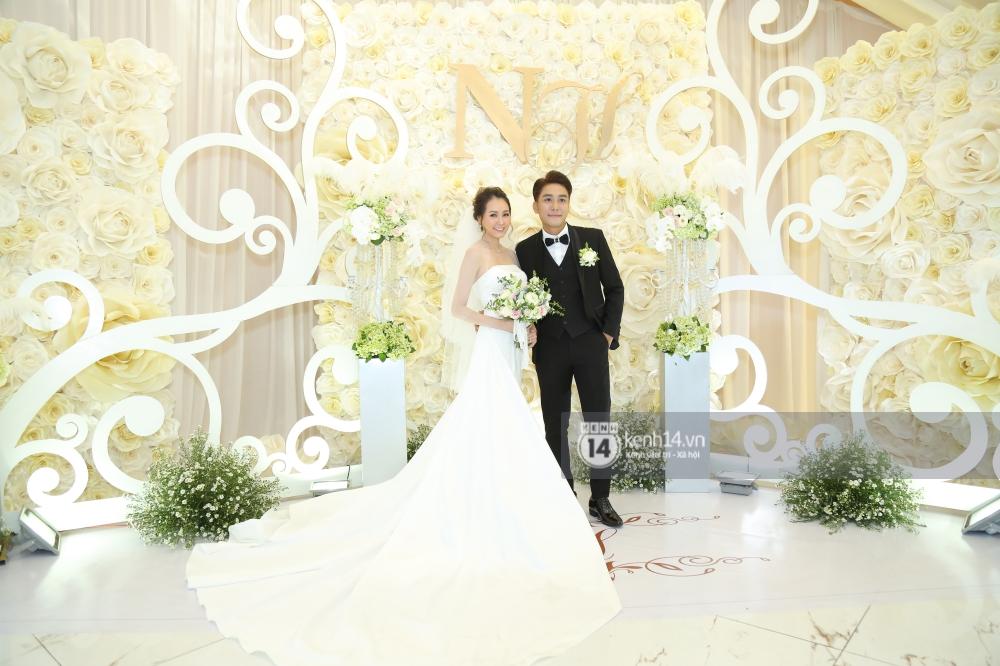 Huy Nam (La Thăng) cưới bà xã hot girl, chính thức lên xe hoa trước người đồng đội Kelvin Khánh - Ảnh 4.