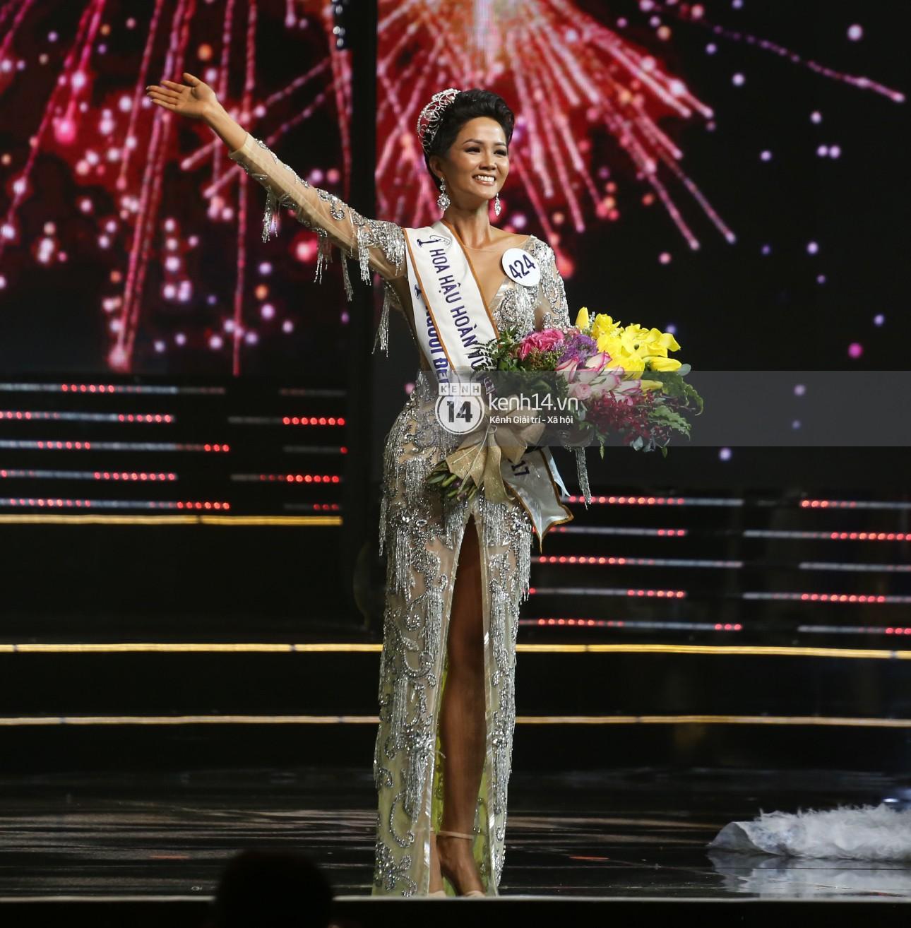 Trước khi đăng quang Hoa hậu, HHen Niê đã là một người mẫu sáng giá với những khoảnh khắc catwalk xuất thần như thế này đây - Ảnh 1.