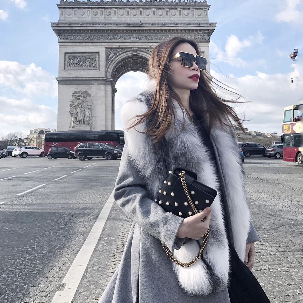 Lại thêm một mẫu kính Hàn dự là sắp hot ở Việt Nam vì Hà Hồ, Kỳ Duyên và rất nhiều fashionista thế giới đã đeo nó - Ảnh 2.