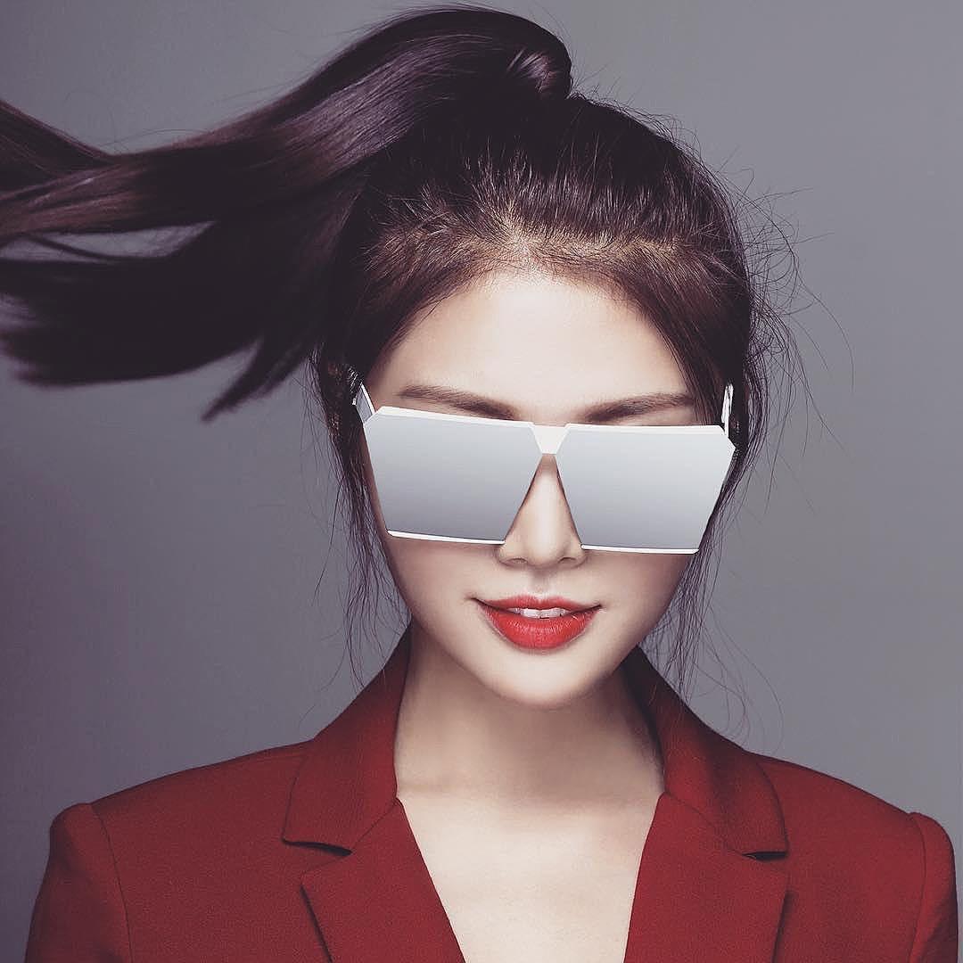 Lại thêm một mẫu kính Hàn dự là sắp hot ở Việt Nam vì Hà Hồ, Kỳ Duyên và rất nhiều fashionista thế giới đã đeo nó - Ảnh 8.