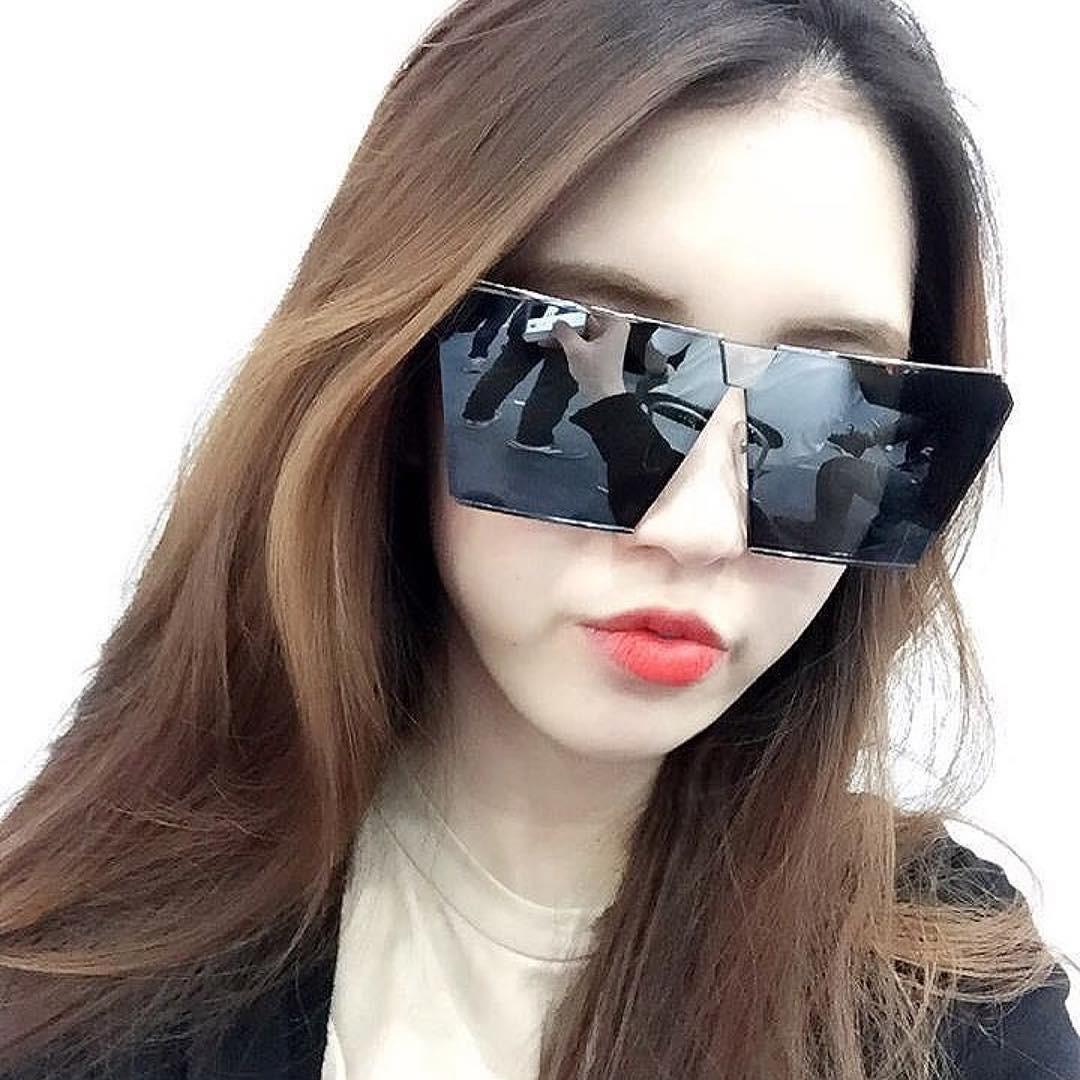 Lại thêm một mẫu kính Hàn dự là sắp hot ở Việt Nam vì Hà Hồ, Kỳ Duyên và rất nhiều fashionista thế giới đã đeo nó - Ảnh 12.