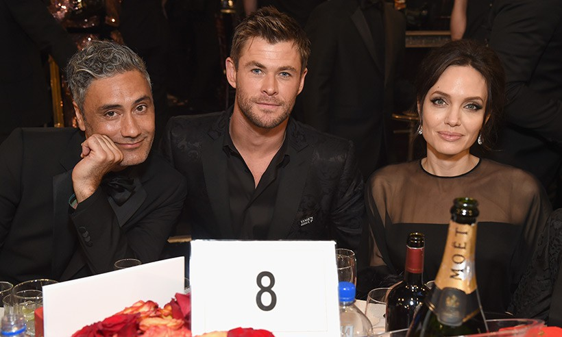 Chris Hemsworth mai mối cho Angelina Jolie hẹn hò với Tom Hiddleston? - Ảnh 1.