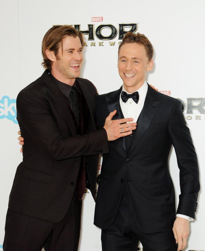 Chris Hemsworth mai mối cho Angelina Jolie hẹn hò với Tom Hiddleston? - Ảnh 2.