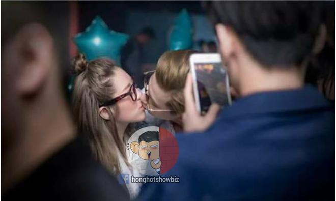 Phí Ngọc Hưng lại lộ ảnh hôn môi cô gái mình từng khẳng định là bạn bè - Ảnh 2.