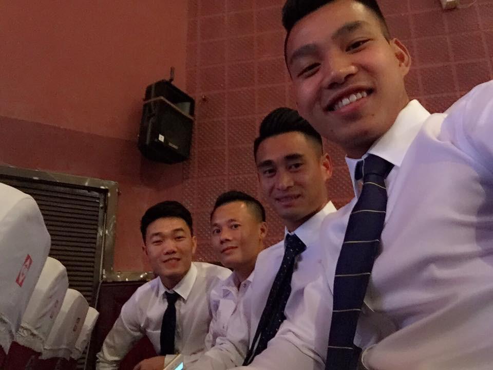 U23 Việt Nam: Chỉ cần diện sơ mi trắng thôi là không cần cưa, cô gái nào cũng đổ! - Ảnh 15.