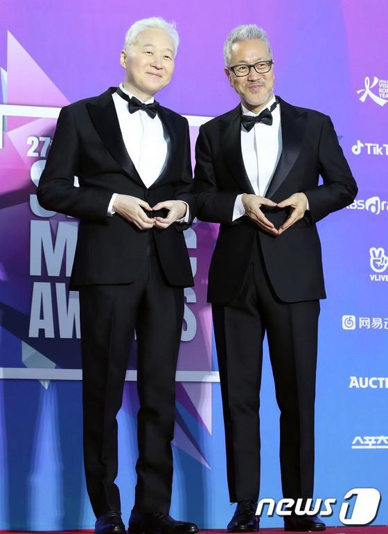 Thảm đỏ Seoul Music Awards: Kim So Hyun đẹp đến mức khó tin, Joy quá sexy bên dàn trai xinh gái đẹp quyền lực Kbiz - Ảnh 50.