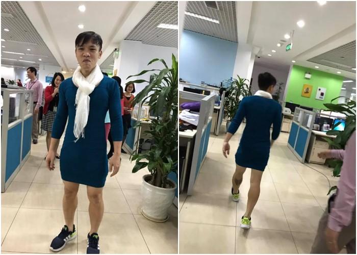 Người Việt Nam nói là làm: Người đàn ông mặc váy của vợ đi làm cả ngày sau khi U23 Việt Nam thắng trận bán kết - Ảnh 5.
