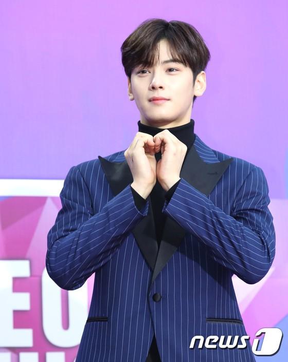Thảm đỏ Seoul Music Awards: Kim So Hyun đẹp đến mức khó tin, Joy quá sexy bên dàn trai xinh gái đẹp quyền lực Kbiz - Ảnh 30.