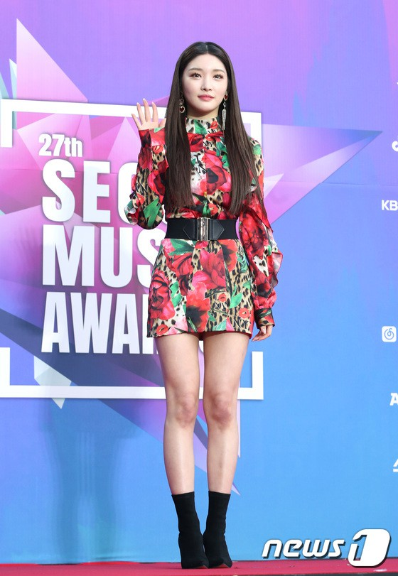 Thảm đỏ Seoul Music Awards: Kim So Hyun đẹp đến mức khó tin, Joy quá sexy bên dàn trai xinh gái đẹp quyền lực Kbiz - Ảnh 33.