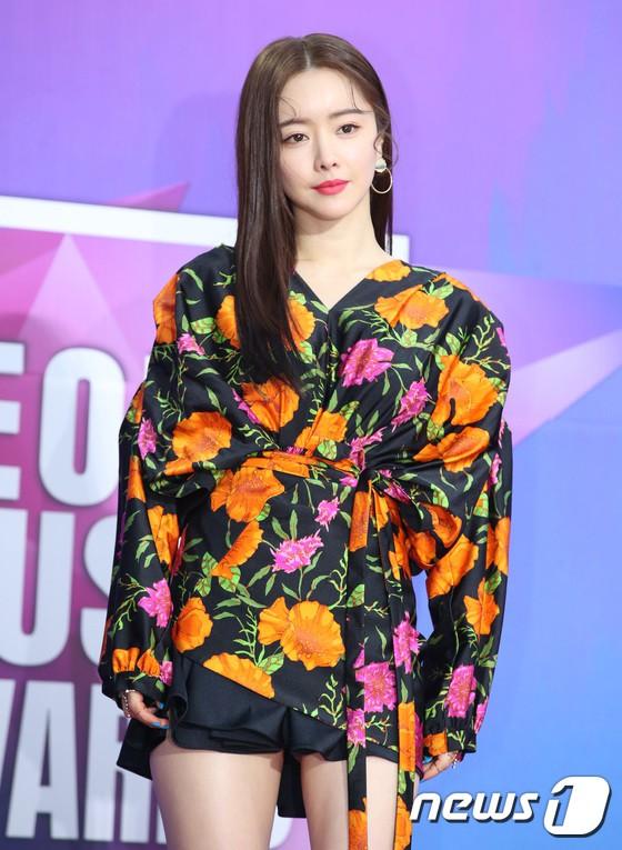 Thảm đỏ Seoul Music Awards: Kim So Hyun đẹp đến mức khó tin, Joy quá sexy bên dàn trai xinh gái đẹp quyền lực Kbiz - Ảnh 36.