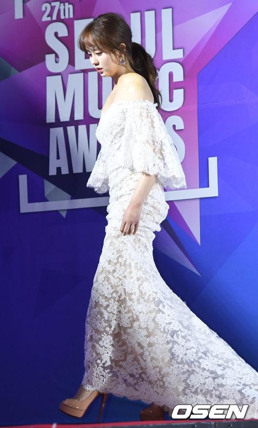 Thảm đỏ Seoul Music Awards: Kim So Hyun đẹp đến mức khó tin, Joy quá sexy bên dàn trai xinh gái đẹp quyền lực Kbiz - Ảnh 1.