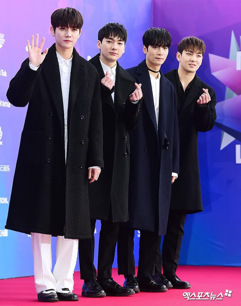 Thảm đỏ Seoul Music Awards: Kim So Hyun đẹp đến mức khó tin, Joy quá sexy bên dàn trai xinh gái đẹp quyền lực Kbiz - Ảnh 43.