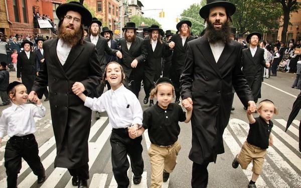 Không phải IQ, yếu tố chiếm một nửa thành công của người Do Thái chính là tài ăn nói. Hãy xem cha mẹ Do Thái dạy con thế nào? - Ảnh 1.