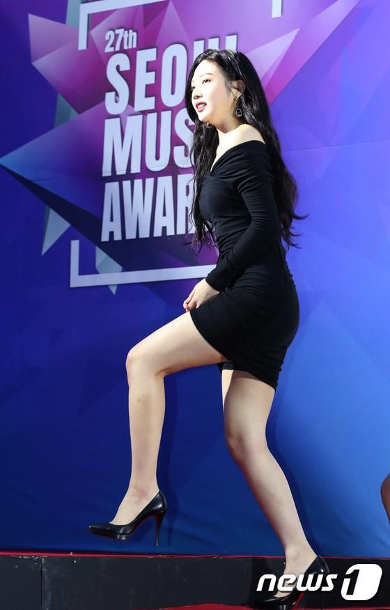Thảm đỏ Seoul Music Awards: Kim So Hyun đẹp đến mức khó tin, Joy quá sexy bên dàn trai xinh gái đẹp quyền lực Kbiz - Ảnh 8.