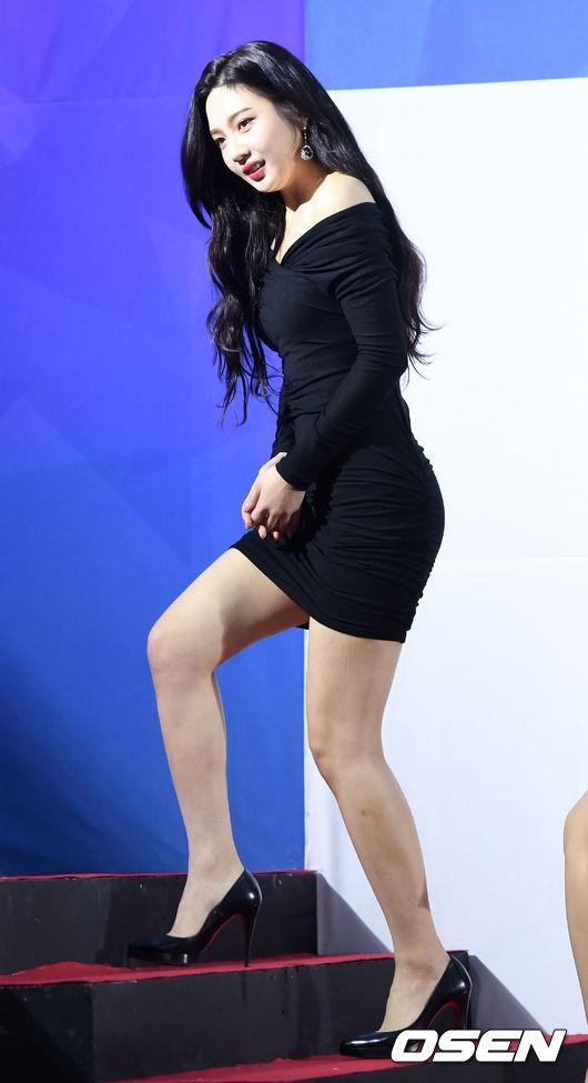 Thảm đỏ Seoul Music Awards: Kim So Hyun đẹp đến mức khó tin, Joy quá sexy bên dàn trai xinh gái đẹp quyền lực Kbiz - Ảnh 9.