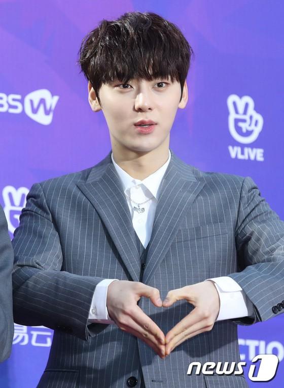 Thảm đỏ Seoul Music Awards: Kim So Hyun đẹp đến mức khó tin, Joy quá sexy bên dàn trai xinh gái đẹp quyền lực Kbiz - Ảnh 18.