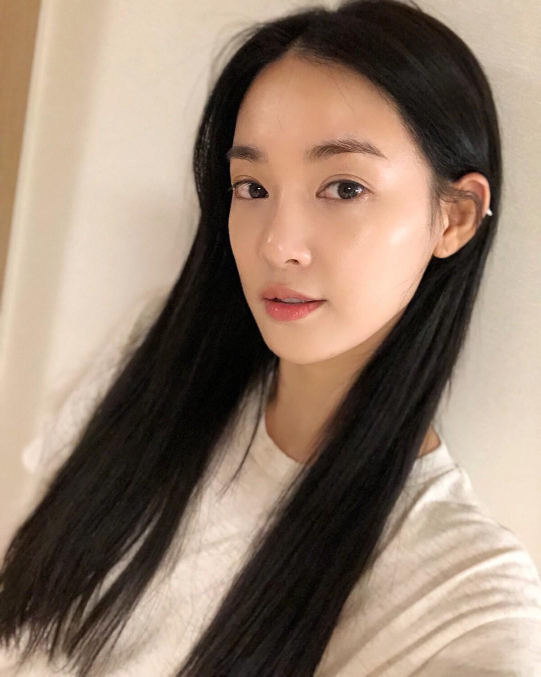 Được Hyoyeon (SNSD) và Lee Joo Yeon sử dụng, loại mặt nạ này lại tiếp tục được các tín đồ làm đẹp Hàn thi nhau tìm mua - Ảnh 2.