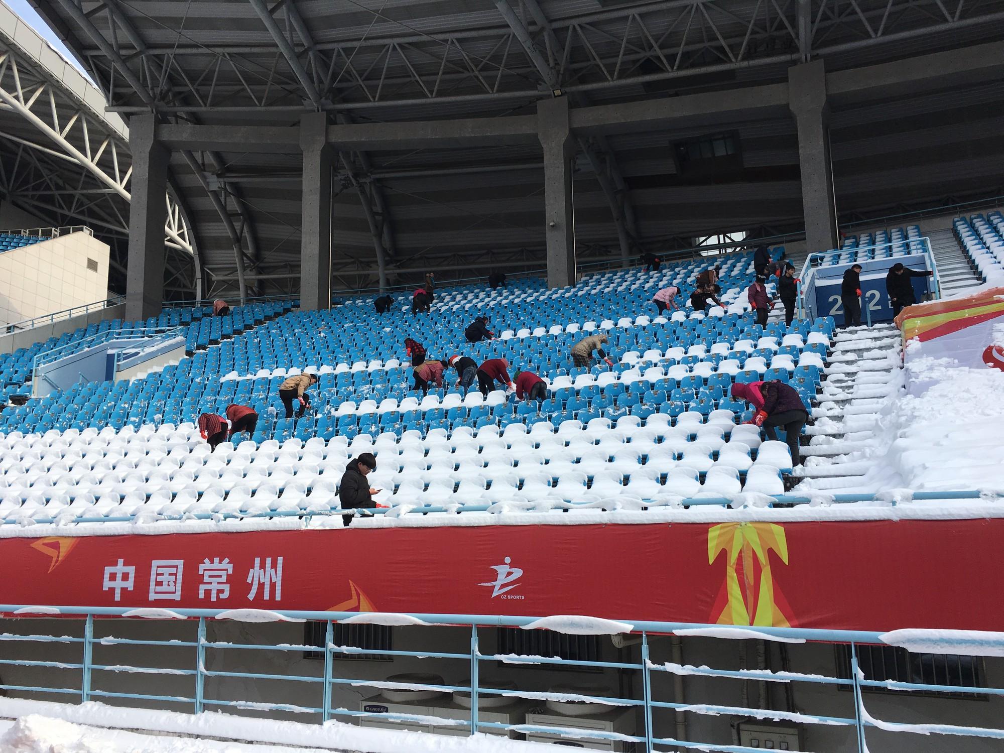 Còn vài tiếng nữa nhưng các fan tại Thường Châu đã sốt sắng, chuẩn bị