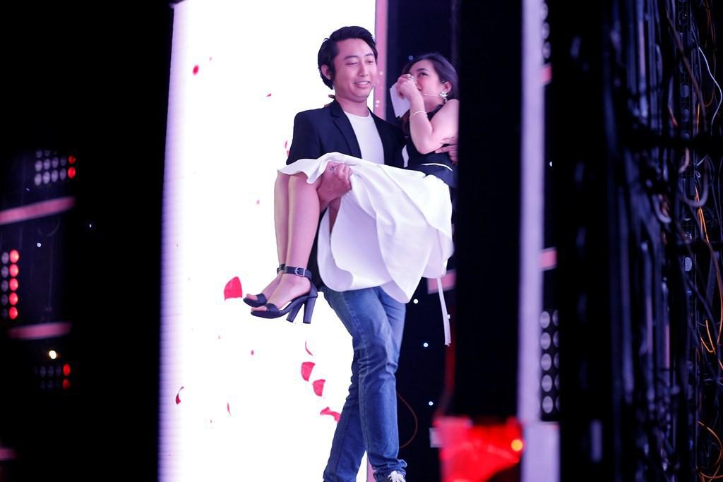Trang Ly (Vì yêu mà đến): Minh Huy giảo hoạt, hay khoe mẽ và rất bạo dạn chứ không rụt rè như trên sân khấu - Ảnh 3.