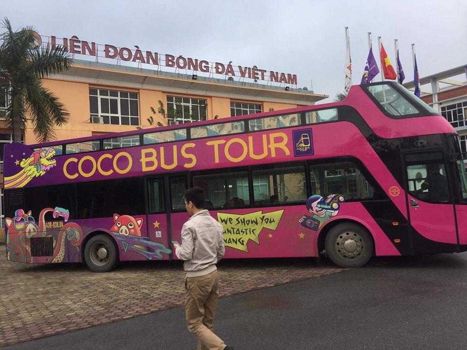 Vượt 800km từ Đà Nẵng ra Hà Nội, xe buýt 2 tầng sẵn sàng đón tuyển U23 Việt Nam sau trận chung kết - Ảnh 1.