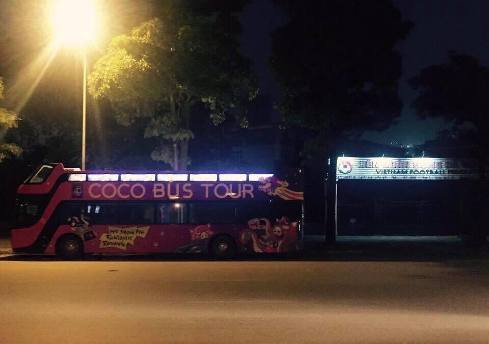 Vượt 800km từ Đà Nẵng ra Hà Nội, xe buýt 2 tầng sẵn sàng đón tuyển U23 Việt Nam sau trận chung kết - Ảnh 2.