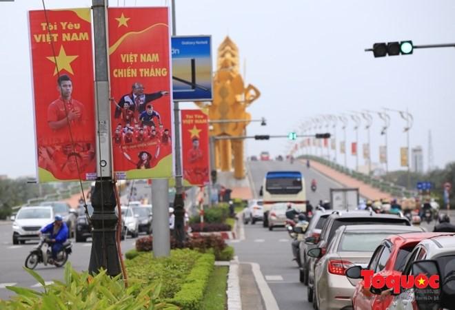Một không khí rất khác trước ngày diễn ra trận chung kết U23 Châu Á: Màu cờ sắc áo đã tràn ngập khắp phố phường! - Ảnh 12.