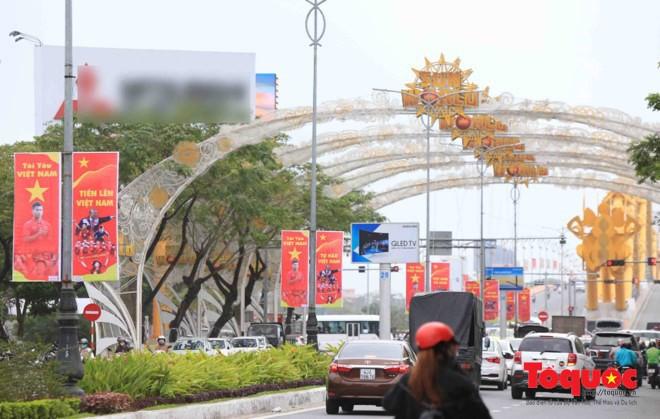 Một không khí rất khác trước ngày diễn ra trận chung kết U23 Châu Á: Màu cờ sắc áo đã tràn ngập khắp phố phường! - Ảnh 14.