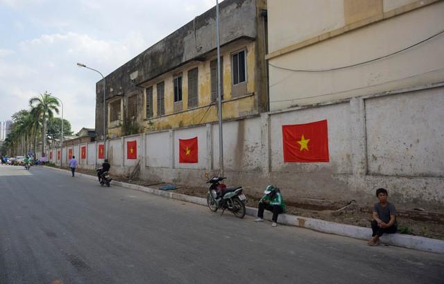 Một không khí rất khác trước ngày diễn ra trận chung kết U23 Châu Á: Màu cờ sắc áo đã tràn ngập khắp phố phường! - Ảnh 17.