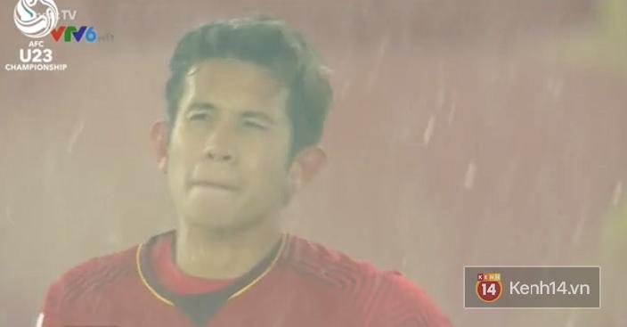 CĐV và các cầu thủ U23 Việt Nam bật khóc sau bàn thua ở phút chót - Ảnh 3.