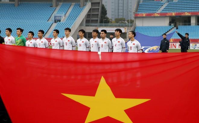 Chủ tịch nước tặng Huân chương cho HLV Park Hang Seo, Quang Hải, Tiến Dũng và đội U23 - Ảnh 1.