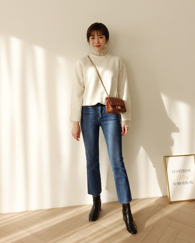 Học cách kết hợp áo len mới nhất này của các quý cô Hàn để diện Tết ngay còn kịp - Ảnh 7.