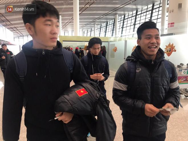 Những người hùng U23 Việt Nam chuẩn bị lên chuyên cơ về nước - Ảnh 2.