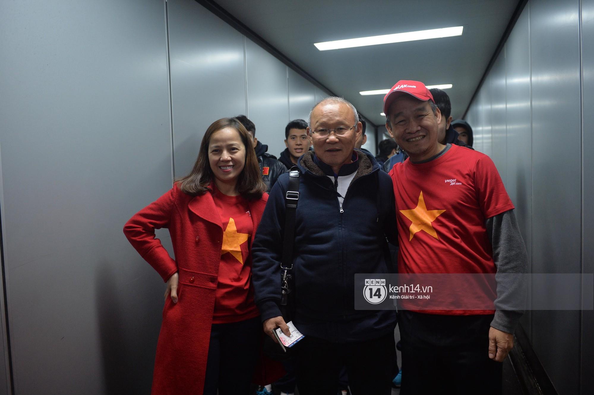 Một ngày dài nhưng nhiều cảm xúc của ông chú Park Hang Seo tại Hà Nội: Những khoảnh khắc không thể quên - Ảnh 3.