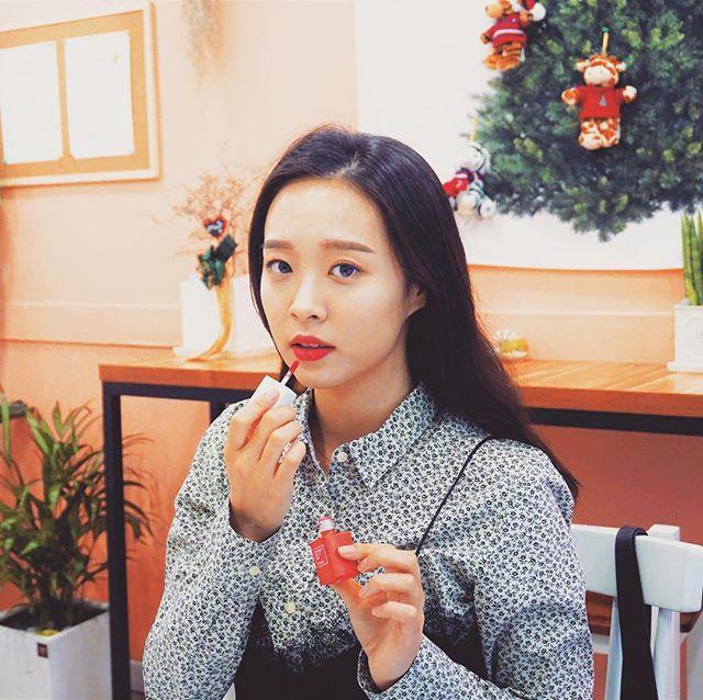 6 cây son kem lì Hàn Quốc cứ ra là lại được con gái châu Á săn lùng ráo riết thời gian qua - Ảnh 3.