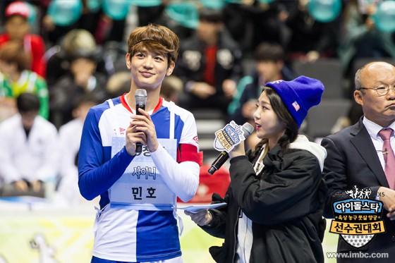 Thì ra U23 Việt Nam cùng có chung sư phụ Park Hang Seo với 2 nam thần tượng đình đám này - Ảnh 2.