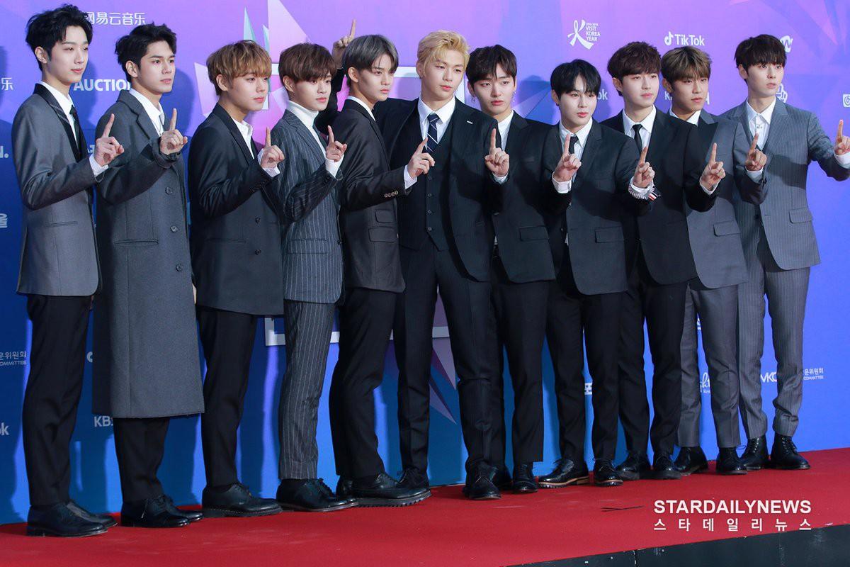 Wanna One và BTS lại tranh hạng 1, EXO thua cả TWICE trên BXH thương hiệu ca sĩ tháng đầu năm 2018 - Ảnh 1.