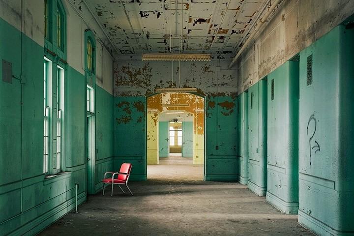 Ảnh: Bên trong các bệnh viện tâm thần bị bỏ hoang ở Mỹ - Ảnh 14.