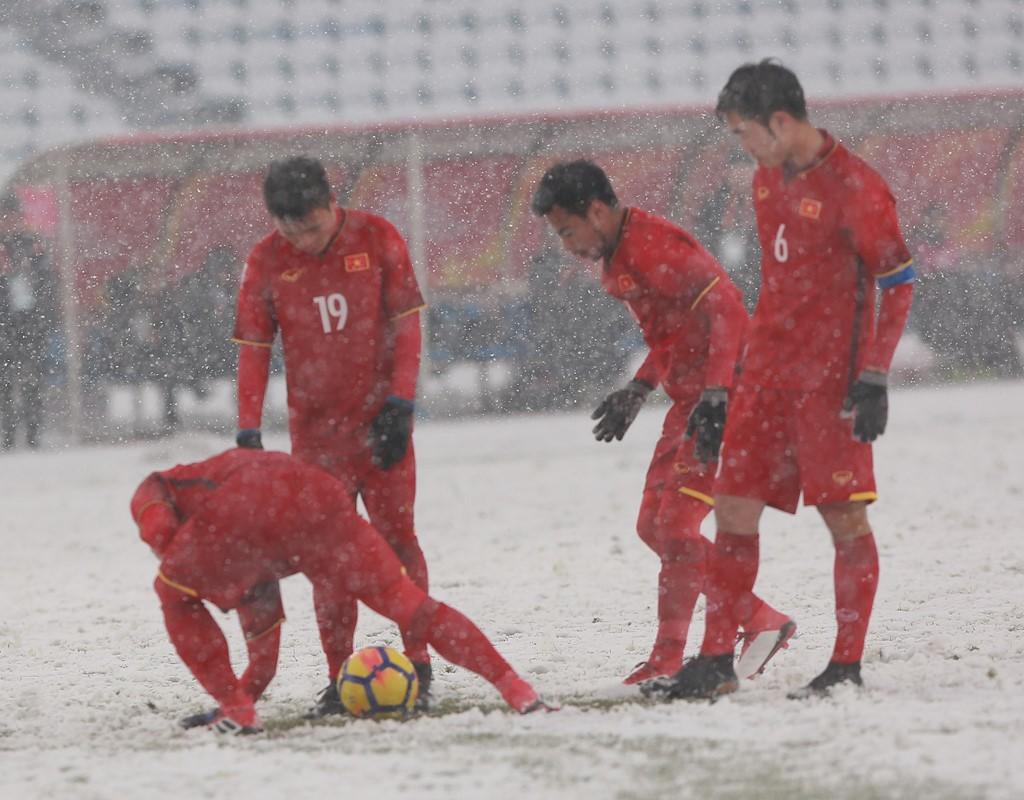 Xuân Trường tiết lộ lý do cùng cào tuyết, nhường Quang Hải đá phạt trong trận chung kết - Ảnh 2.