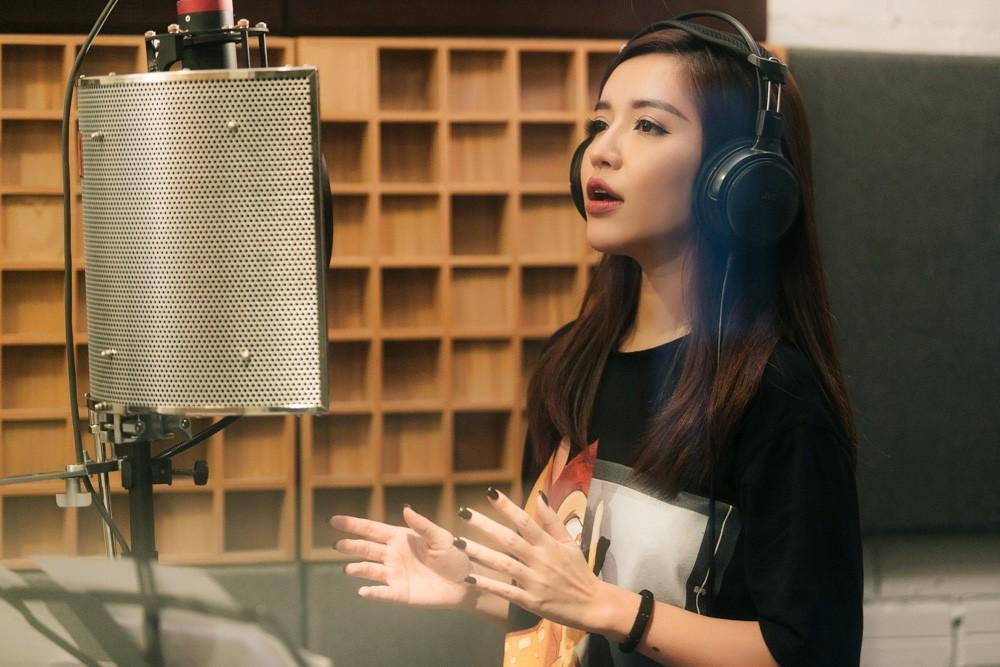 """Không thể không xem: 19 ca sĩ, nhóm nhạc đình đám Vpop hòa giọng đầy cảm xúc trong MV ca khúc chủ đề của album """"Bình tĩnh sống"""". - Ảnh 10."""
