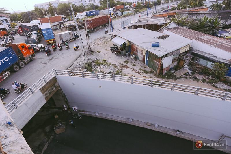 Cận cảnh hai nút giao thông 3 tầng đầu tiên ở Sài Gòn có tuổi thọ 100 năm, chịu được động đất cấp 7 - Ảnh 14.