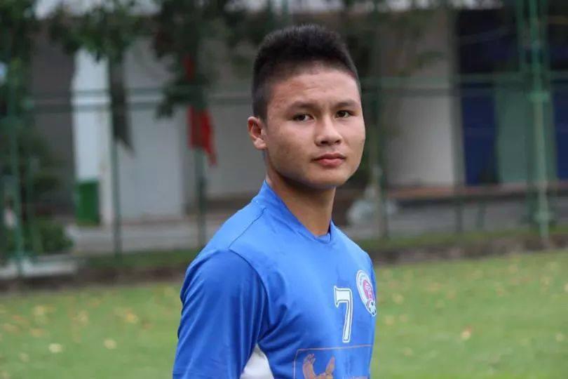 Nhật ký đổi tóc của U23 Việt Nam: Nếu việc đổi tóc nói lên tính cách thì gần như chàng nào cũng chung tình! - Ảnh 18.