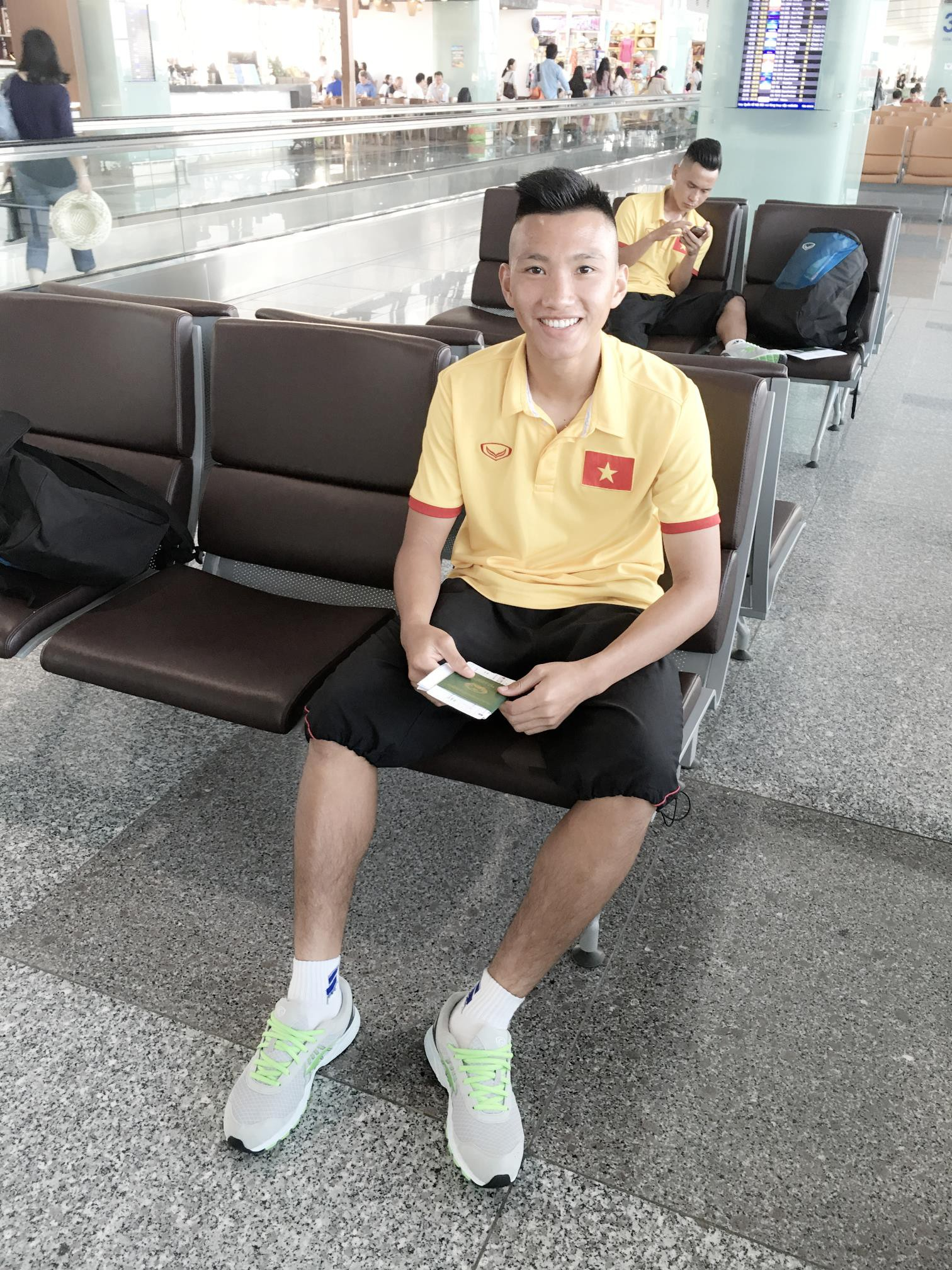 Nhật ký đổi tóc của U23 Việt Nam: Nếu việc đổi tóc nói lên tính cách thì gần như chàng nào cũng chung tình! - Ảnh 24.