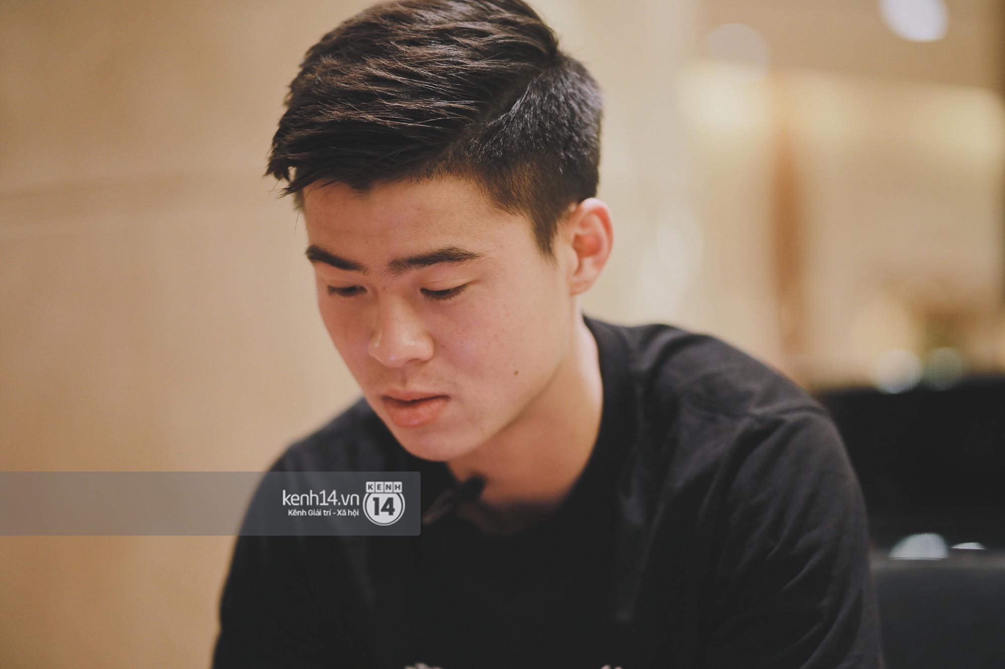 Hot Boy Duy Mạnh U23: Trong Đội Chỉ Có Mình Với Hồng Duy Bán Hàng