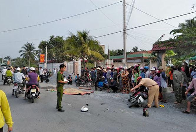Xe đưa rước công nhân gây tai nạn chết người rồi bỏ đi - Ảnh 1.