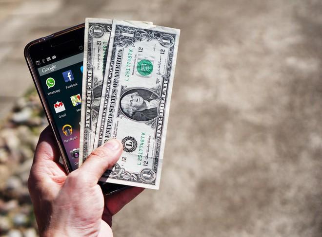 Mua smartphone cũ: Được gì và mất gì? - Ảnh 1.